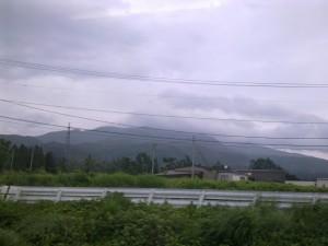 会津磐梯山(車窓から)